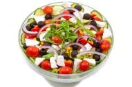 2354Z-grieschicher-salat-tomaten-gurke-eisberg-oliven-rucola-pesto-oben