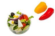 2359Z-grieschicher-salat-tomaten-gurke-eisberg-oliven-rucola-pesto-klein