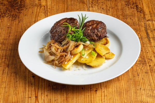Berliner Bouletten mit Röstkartoffeln