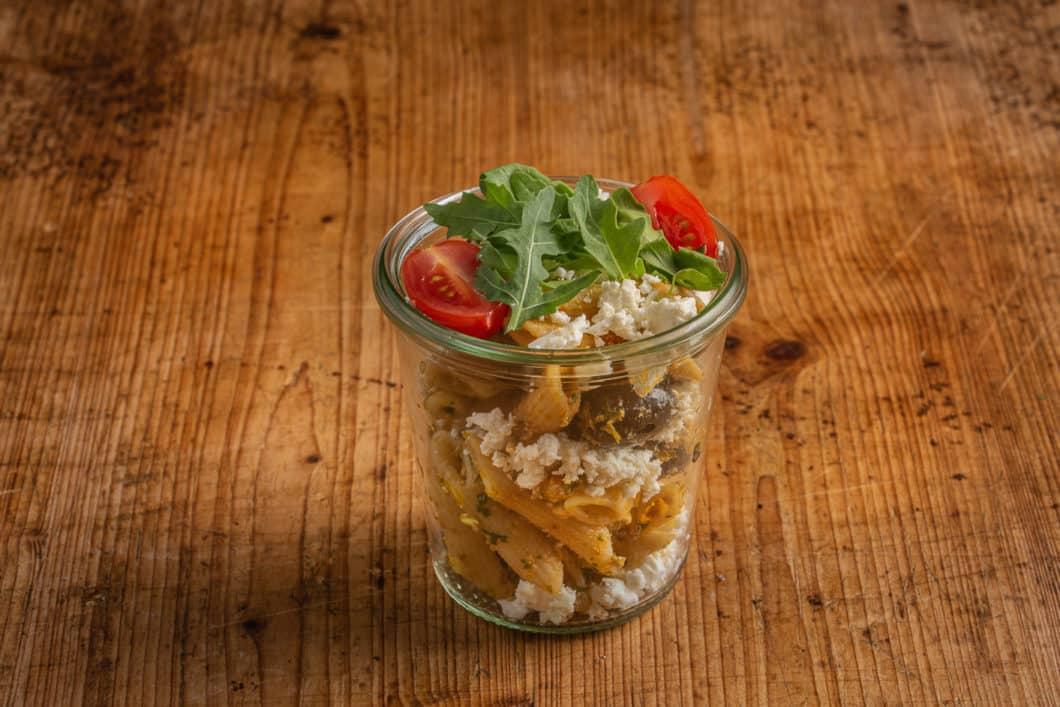 Nudelsalat Mediterran im Weckglas
