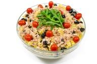 3265Z 2,5 l Nudelsalat mit Thunfisch, Cherrytomaten und Olivenöl-oben