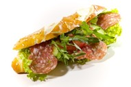 Laugenstange belegt mit italienischer Salami
