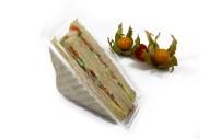 American Sandwich mit Gouda, Schinken Gurke, Paprika, und Remoulade