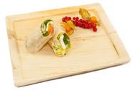 gefüllter Wrap mit Schafskäse, Salat und Olivenpaste