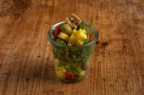 Ananas-Rucola Salat im Weckglas