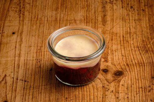 Rote Grütze mit Vanille