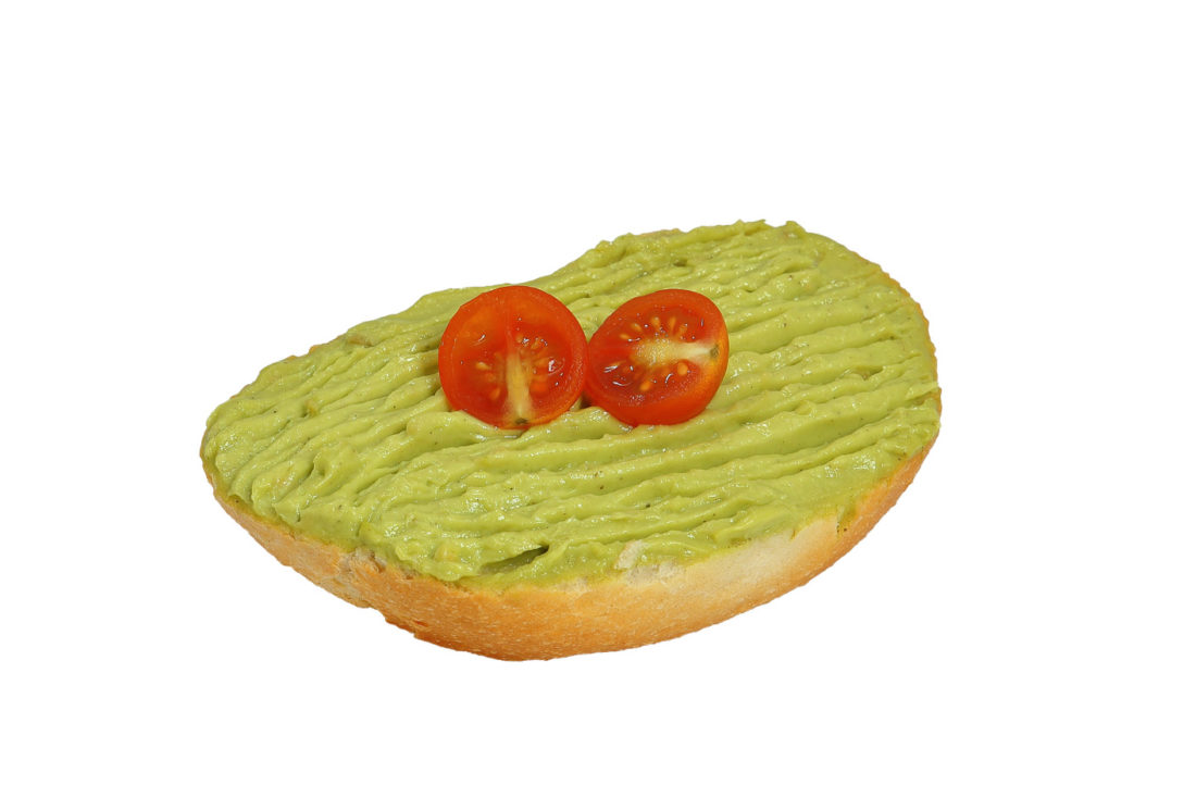 Brötchen mit Avocadocreme