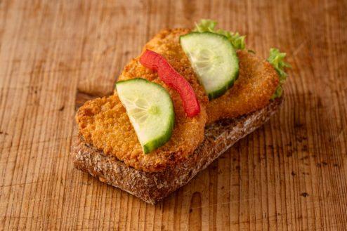 Vollkorn Broetchen mit Schnitzel