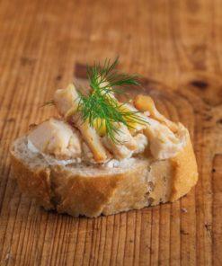 Weißbrot Canape Hähnchen-Curry
