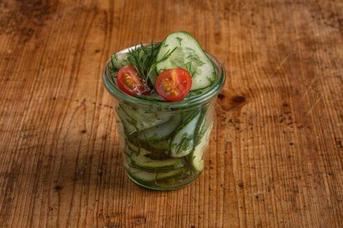 Gurkensalat im Weckglas