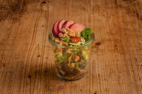 Blattsalat mit Pfifferligen im Weckglas